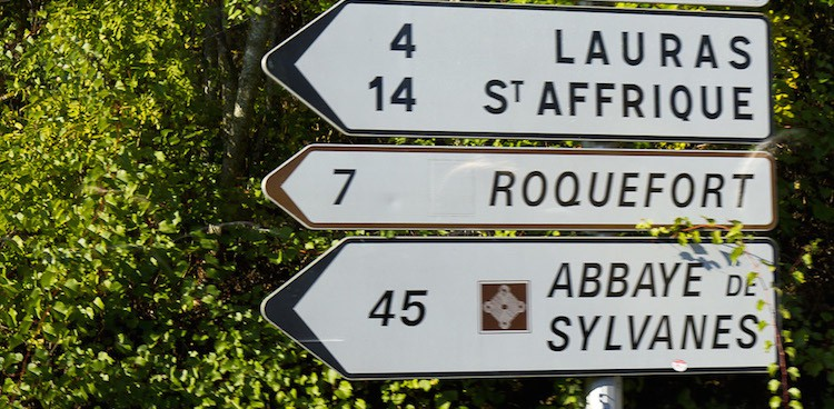 Highway directional sign in France to Roquefort